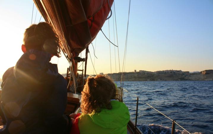 In barca a vela con bambini
