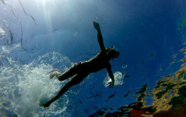 Nuotare al mare con i figli