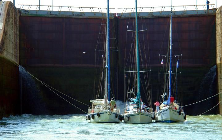Canale di Panama chiusa di Gatum
