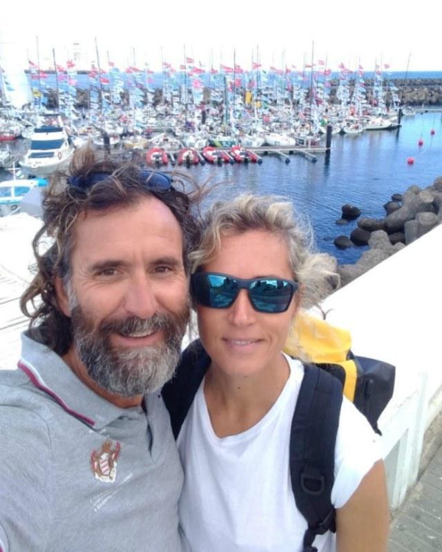 Elisa e René, partenza in barcastop